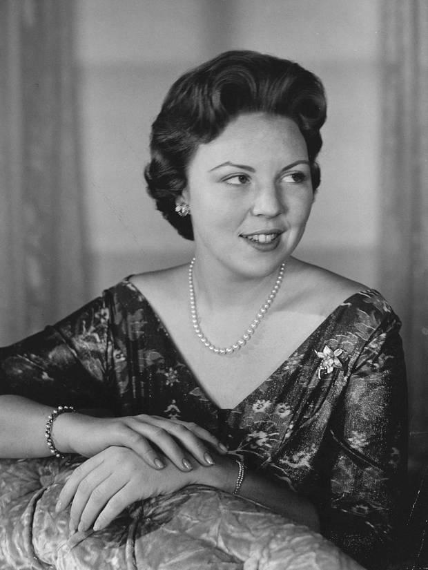 Die 23-jährige Prinzessin Beatrix posiert 1961 für ein offizielles Foto in Den Haag.