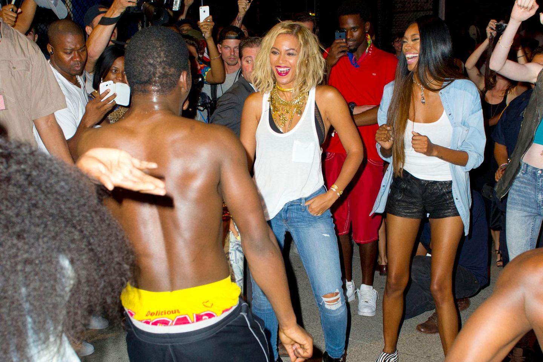 29. Augist 2013: Beyoncé Knowles dreht in einem Freizeitpark auf Coney Island ihr neues Musikvideo.