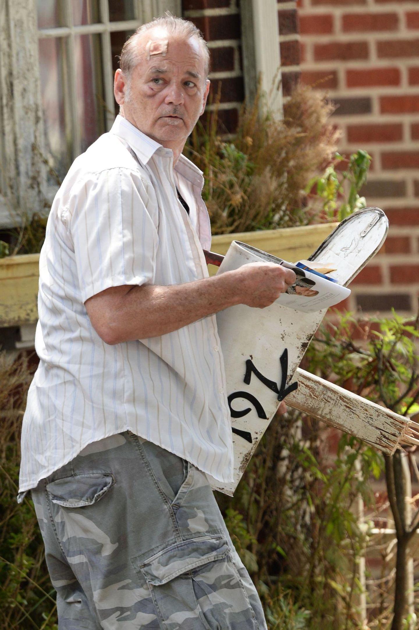 """9. Juli 2013: Bill Murray sieht am Set von """"St. Vincent de Van Nuys"""" in Brooklyn etwas mitgenommen aus."""