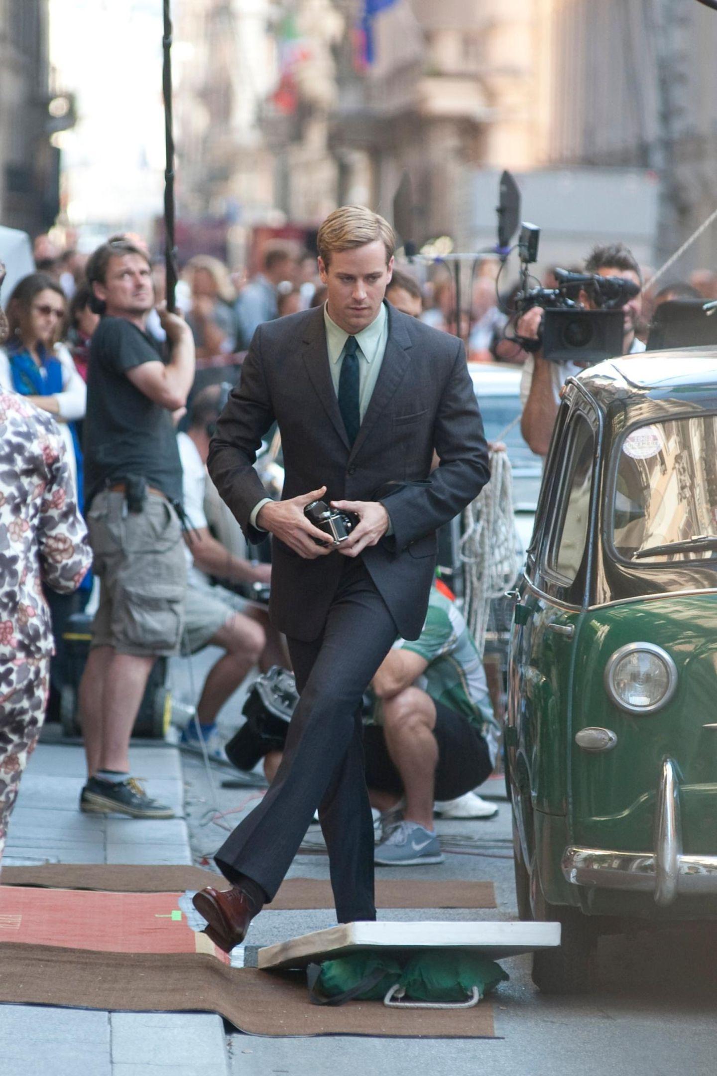 """3. Oktober 2013: Armie Hammer dreht in Rom unter der Regie von Guy Ritchie eine Szene für den Film """"The Man from U.N.C.L.E.""""."""