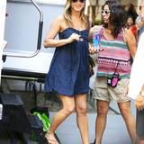 """16. Juli 2013: Jennifer Aniston ist auf dem Weg zum Dreh der nächsten Szene des Films """"Squirrel To The Nuts"""" in New York."""