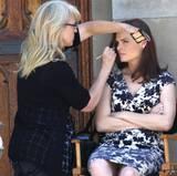 """12. September 2013: Emily Deschanel wird für die nächste Szene der Serie """"Bones"""" geschminkt. Gedreht wird in Los Angeles."""