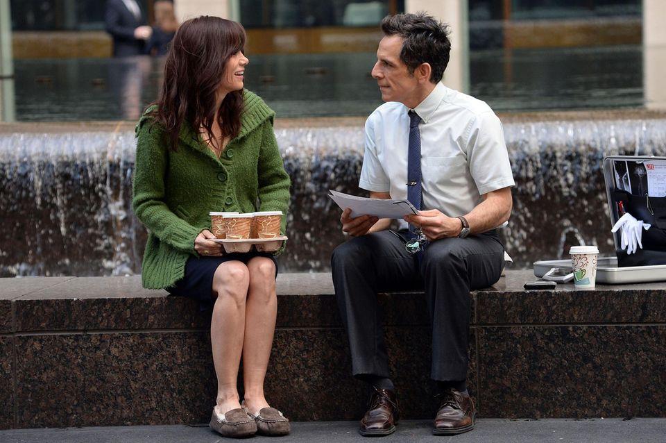 """15. Mai 2013: Kristen Wiig und Ben Stiller sitzen für einen Nachdreh für den Film """"The Secret Life Of Walter Mitty"""" in Manhattan vor der Kamera."""