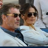 """22. Oktober 2013: Nach """"After the Sunset"""" stehen Pierce Brosnan und Salma Hayek wieder gemeinsam vor der Kamera. Dieses Mal drehen sie """"How To Make Love Like An Englishman"""" in Venedig."""