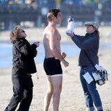 """10. Dezember 2013: Liev Schreiber dreht für """"Pawn Sacrifice"""" am Strand von Santa Monica."""