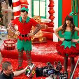 """7. November 2013: Chris Colfer und Lea Michele drehen für """"Glee"""" eine Weihnachtsepisode."""
