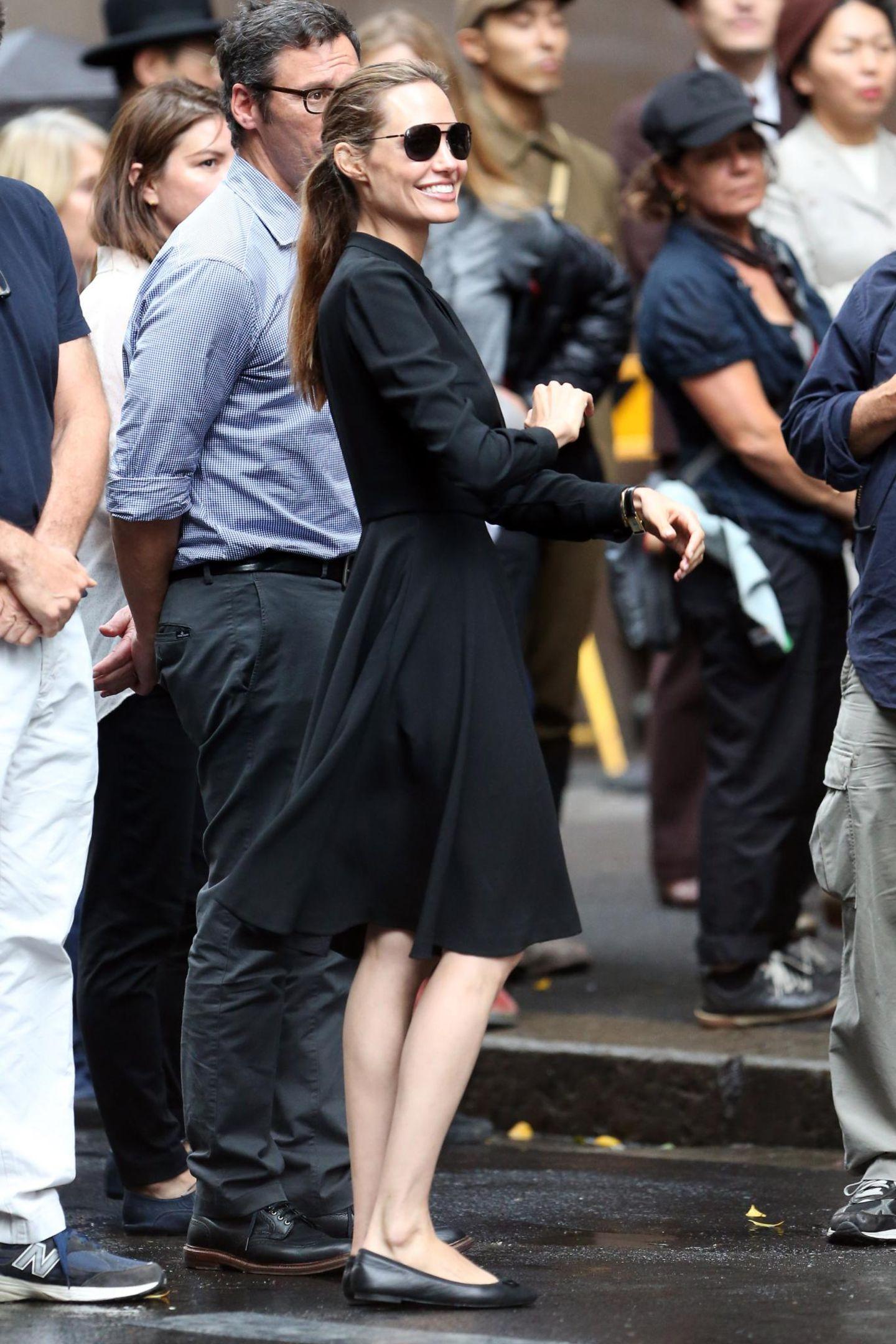 """22. November 2013: Angelina Jolie ist am Set ihres neuen Films """"Broken"""" in der Pitt Street in Sydney."""