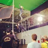 17. November 2013: Jessica Alba und Hailee Steinfeld hängen in den Seilen.