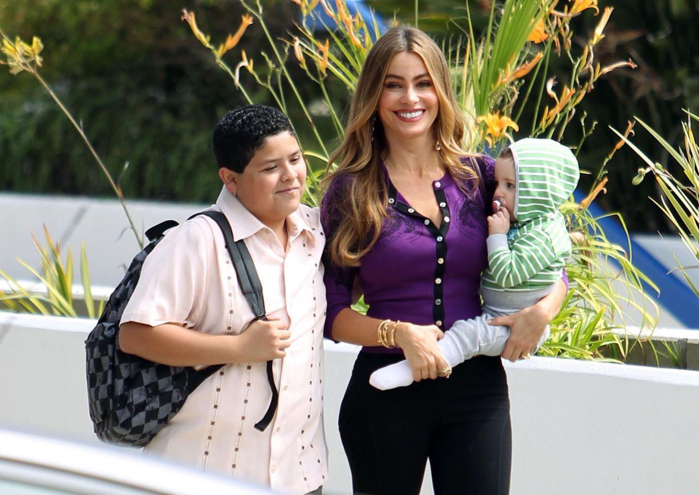 """15. August 2013: Sofia Vergara steht für neue Folgen der Erfolgsserie """"Modern Family"""" vor der Kamera."""