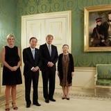 27. August 2013: Königin Máxima und König Willem-Alexander empfangen Generalsekretär der Vereinten Nationen Ban Ki-moon und seine Gattin im Schloss Noordeinde.