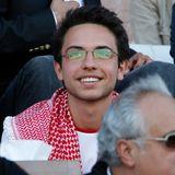 18. Juni 2013: Der jordanische Kronprinz Hussein bin Abdullah schaut sich in Amman das Fußball-WM-Qualifikationsspiel zwischen Jordanien und Oman an. Der 19-Jährige ist der älteste Sohn von König Abdulla II. und Königin Rania.