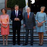 18. September 2013: Die spanische Königsfamilie empfängt das Königspaar aus den Niederlanden im Palast in Madrid: Prinzess Letizia, Prinz Felipe, Königin Sofia, König Willem-Alexander, König Juan Carlos, Königin Máxima und Prinzessin Elena.