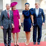 8. November 2013: König Philippe und Königin Mathilde von Belgien werden von Königin Máxima und König Willem-Alexander der Niederlande am Königspalast Noordeinde in Den Haag empfangen.