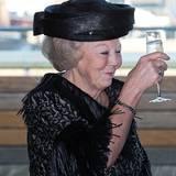 10. Dezember 2013: Prinzessin Beatrix eröffnet das Kulturzentrum Rozet im niederländischen Arnhem.