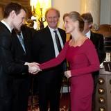 """18. November 2013: Gräfin Sophie empfängt den Schauspieler Matt Smith anlässlich des """"50th anniversary of Doctor Who"""" im Buckingham Palace in London."""