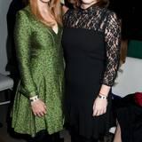 """16. Dezember 2013: Prinzessin Beatrice und Prinzess Eugenie besuchen die """"8th Annual Charity: Water in NYC""""-Gala in Brooklyn."""