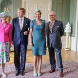 25. Juni 2013: König Willem-Alexander und Königin Máxima haben bei ihrem offiziellen Vorstellungsbesuch bei Königin Margrethe und Prinzgemahl Henrik von Dänemark offenbar großen Spaß.