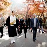29. November 2013: König Carl Gustaf von Schweden ist ins japanische Kyoto gereist. Der Monarch besichtige die Tempelanlage Kiyomizu-dera.