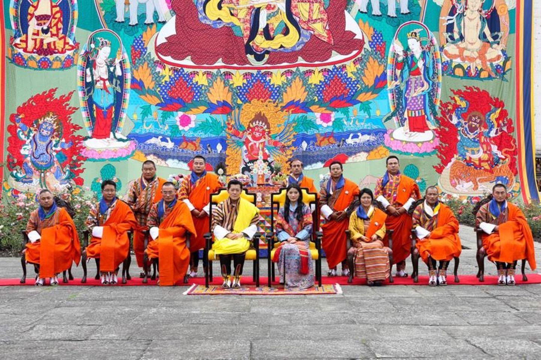 27. Juli 2013: Der König von Bhutan und seine Frau ernennen den neuen Premier und seine Minister.