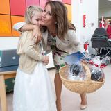 """13. August 2013: Prinzessin Marie besucht die kleinen Patienten des """"H.C. Andersen Kinderkrankenhaus"""" im dänischen Odense."""