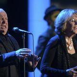 """Joe Cocker singt mit Jennifer Warnes das Lied """"Up Where We Belong"""" von 1982. Der britische Sänger wird anschließend mit dem Preis für """"Lebenswerk Musik"""" ausgezeichnet."""