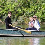 17. September 2013: Robin Thicke und seine Frau Paula Patton machen mit Sohn Julian eine kleine Bootstour durch den New Yorker Central Park.