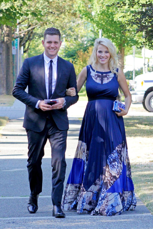 12. August 2013: Michael Bublé und seine schwangere Ehefrau Luisana Lopilato haben sich für die Hochzeit eines Freundes in Vancouver schick gemacht.