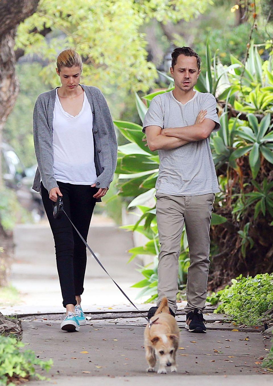 4. August 2013: Ehekrach? Agyness Deyn und Giovanni Ribisi gehen stillschweigend mit ihrem Hund Maui in Los Feliz spazieren.