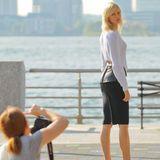 30. September 2013: Karolina Kurkova steht am Hudson River in New York für ein Fotoshooting bereit.