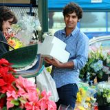 "28. November 2013: ""The Big Bang Theory""-Star Kunal Nayyar erledigt in Hollywood seine Thanksgiving-Einkäufe."