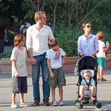 21. August 2013: Jennifer Connelly unternimmt mit ihrem Mann Paul Bettany un den Kindern Kai, Stellan und Agnes einen Ausflug in Tribeca.