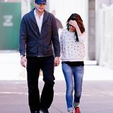 19. September 2013: Ashton Kutcher und Mila Kunis spazieren Hand in Hand durch New York.