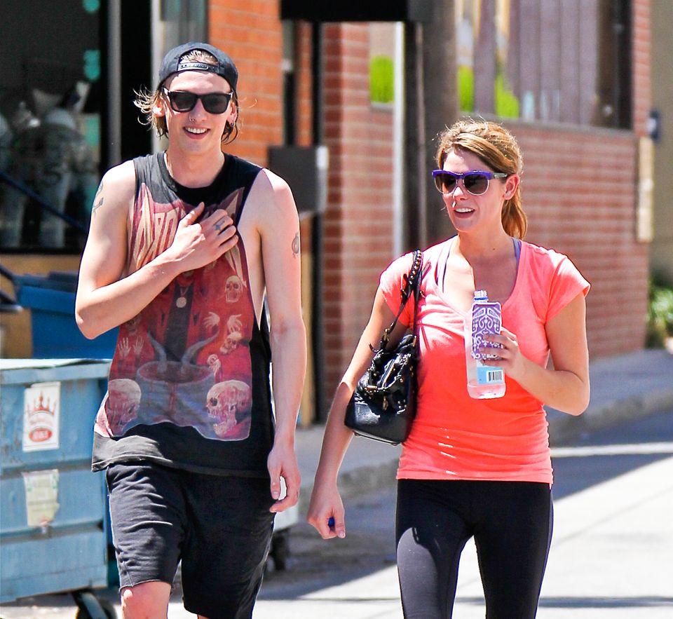 """8. August 2013: Jamie Campbell Bower und Ashley Greene kommen aus einem Fitness Studio. Die beiden Co-Stars aus """"Twilight"""" gehen anschließend gemeinsam Mittag essen."""