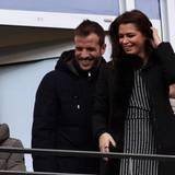 24. November 2013: Der verletzte Rafael van der Vaart und seine schwangere Freundin Sabia Boulahrouz schauen sich das Bundesligaspiel des HSV gegen Hannover 96 von der Tribüne aus an.