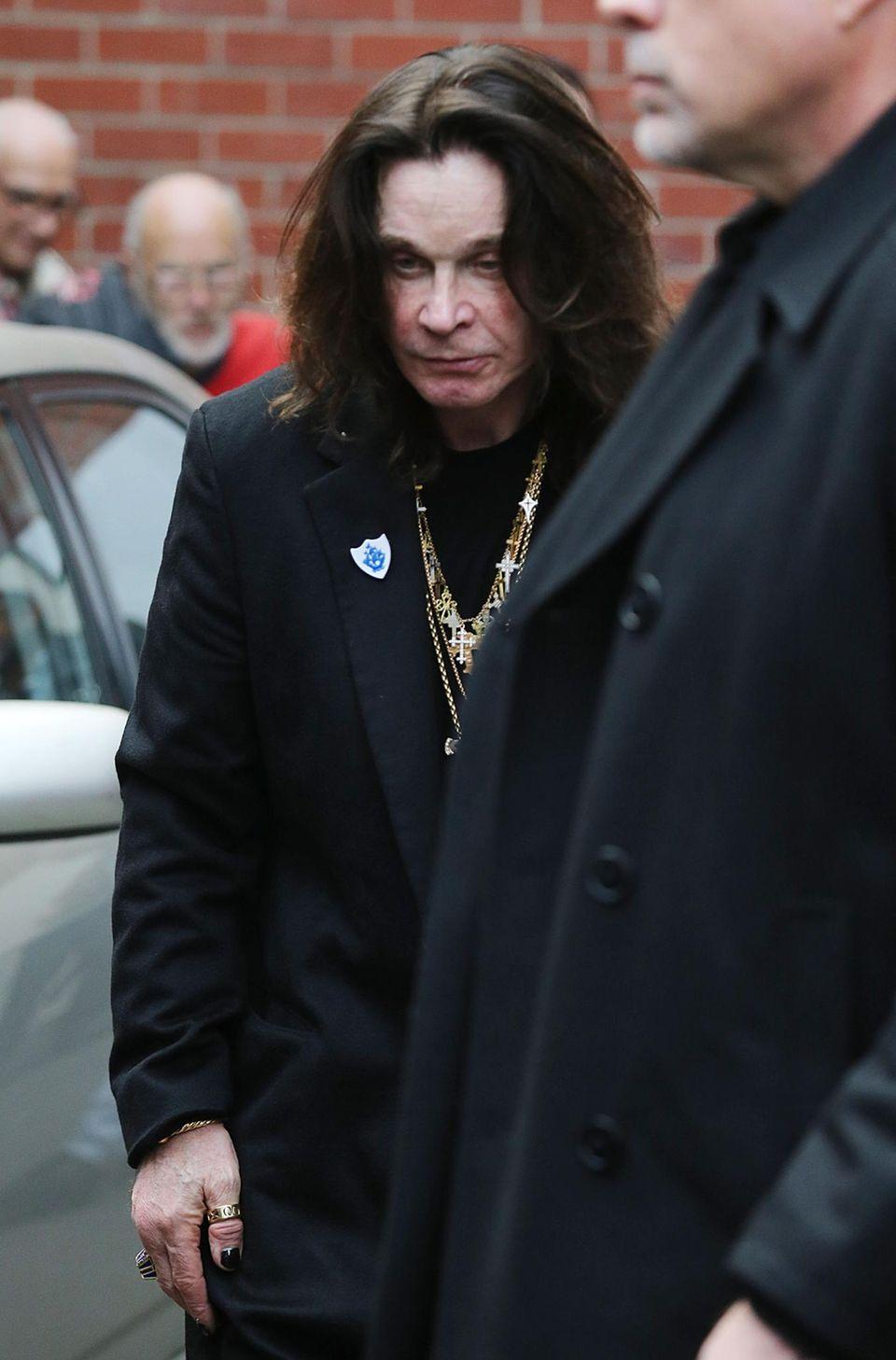 30. April 2013: Ozzy Osbourne ist im australischen Melbourne unterwegs und macht dabei - auch vor dem Hintergrund seines Alkohol- und Medikamentenrückfalls - nicht den fittesten Eindruck.