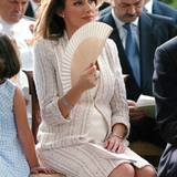 Schwangere Royals: Stilvoll, mit königlicher Haltung und kleiner Babykugel: Prinzessin Letizia erwartet 2005 ihr erstes Kind und Spanien bewegt die Frage: Wird es ein Sohn, ein Thronfolger?