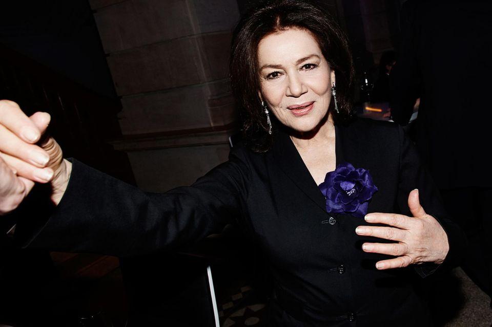 """""""Die Berlinale ist mir jedes Mal ein Fest!""""   Uns auch - vor allem wenn Hannelore Elsner dabei ist und jeden Saal mit Grandezza füllt."""