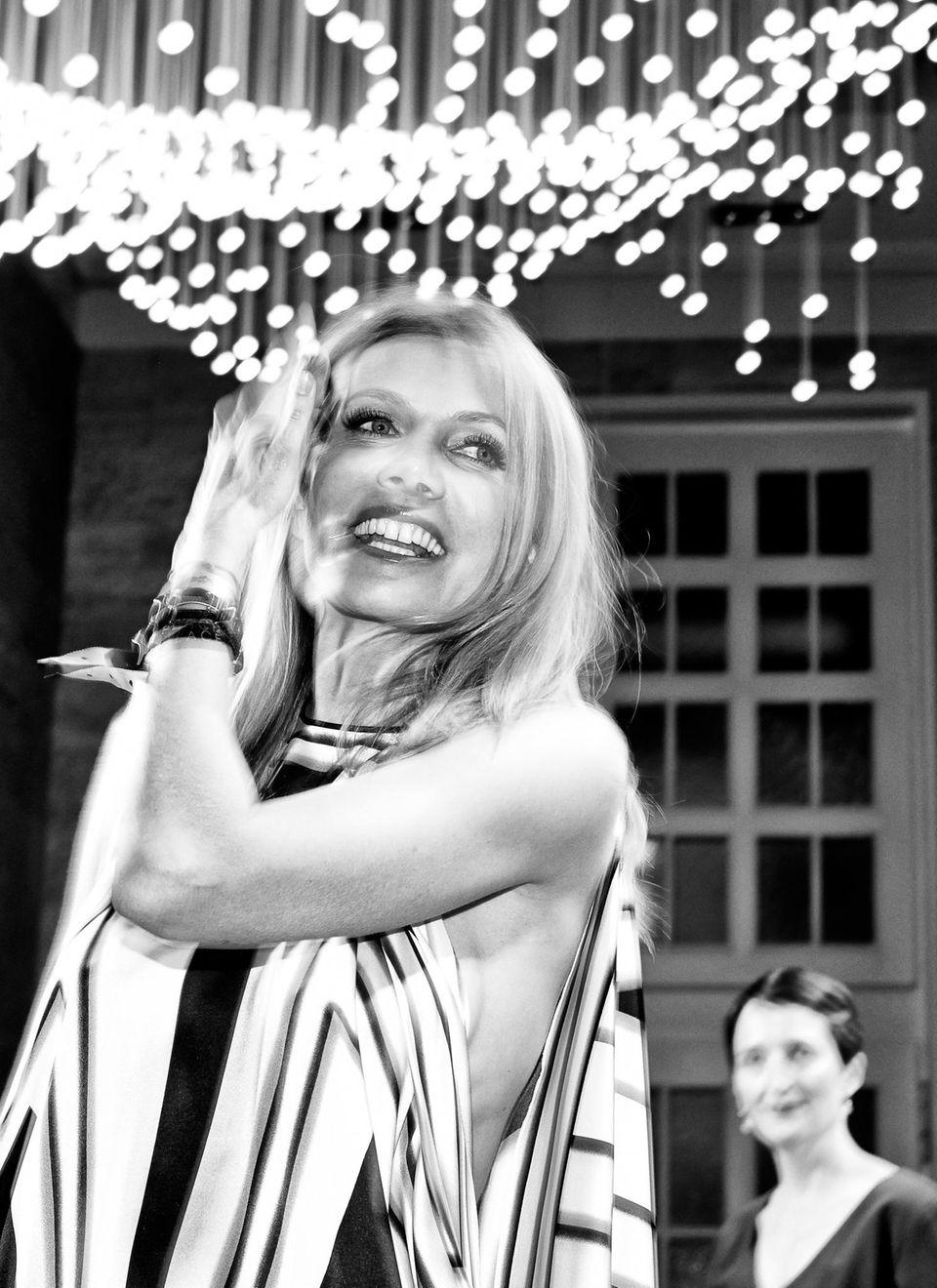 Ursula Karven (in Hugo) strahlte auf der Tanzfläche.