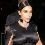 Schwarze Seide und eine funkelnde Diamantkette: Kim Kardashian startet sehr stilvoll in den Vorabend ihres 35. Geburtstages.