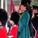 Das Herzogspaar schaut sich die Parade zum St. Patrick's Day an.