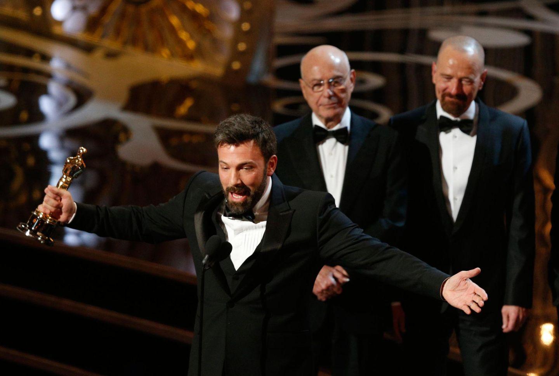 """Sein Werk """"Argo"""" wird zum """"Besten Film"""" gekürt. Alan Arkin und Bryan Cranston gehören zur Cast des Films."""