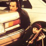 """""""Curly Sue - ein Lockenkopf sorgt für Wirbel"""", so heißt der Kinofilm, der Alison Porter 1991 zum Kinderstar macht. An der Seite von James Belushi spielt sie die Filmtochter des Obdachlosen Bill Dancer."""