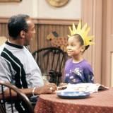 """Ende der 80er Jahre spielt Raven-Symoné Pearman die """"Olivia Kendall"""" in der Bill Cosby Show"""" und wird damit zum Kinderstar."""