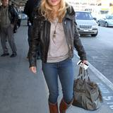 14. Januar 2013: Hayden Panettiere landet gut gelaunt in Los Angeles.