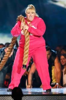 """Rebel Wilson moderiert die Show und wird selbst für den """"Besten Musical-Moment"""" und die """"Beste Breakthrough-Performance"""" in der Komödie """"Pitch Perfekt"""" geehrt."""