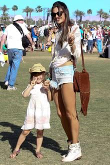 Alessandra Ambrosio mit Töchterchen Anja