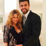 23. Oktober 2014  Die werdenden Eltern Shakira und Gerard Piqué präsentieren sich stolz ihren Fans auf Instagram.