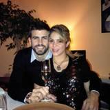 31. Dezember 2012  Happy New Year! Die beiden freuen sich auf das neue Jahr 2013. Sicherlich stößt Shakira nur mit alkoholfreiem Sekt an.