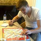 21. März 2012  Entspannter Alltag im Hause Piqué: Shakira postet ein Bild vom Scrabble-Abend.