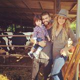 23. Juli 2014  Gerard Piqué und Shakira genießen mit Söhnchen Milan im Urlaub das Landleben in der Nähe von Barcelona.